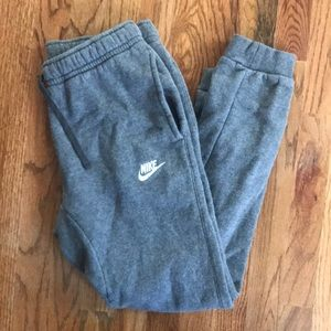 Nike Men's Gray Jogger Sweatpants